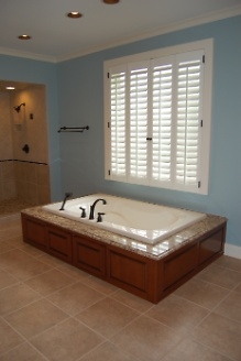 Renovated Master Bath Spa Tub